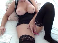 i am a ver hot milf with an extreme horny body.
